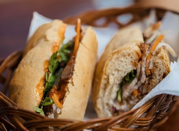 Bahn Mi sandwich in a basket_Photo by Flo Dahm from Pexels